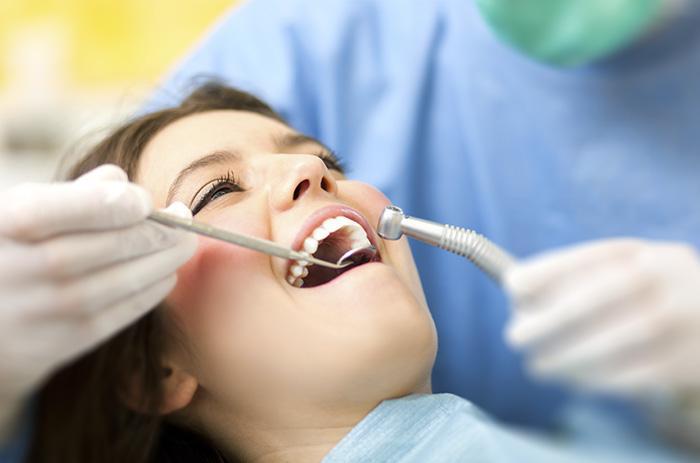 tratamiento-caries-clinica-dental-tarragona-tuces